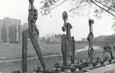 Karel Nepraš: Rodina připravená k odjezdu, 1969 (archiv Galerie výtvarného umění v Ostravě).