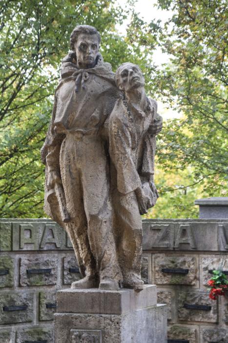 Karel Vávra: Památník obětem druhé světové války v Hrabové, 1949–50