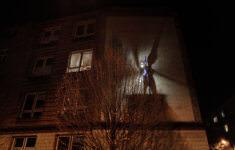 Světlonoš svítící při znovuzprovoznění kahanu v prosinci 2013 (foto Roman Polášek)
