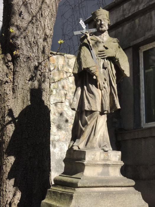 Socha sv. Jana Nepomuckého v Moravské Ostravě (foto Jakub Ivánek)