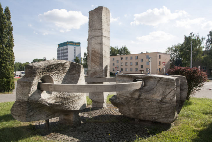 Jiří Marek: Jednota, u tramvajové smyčky v Martinově, konec 60. let 20. století (foto Jakub Ivánek)